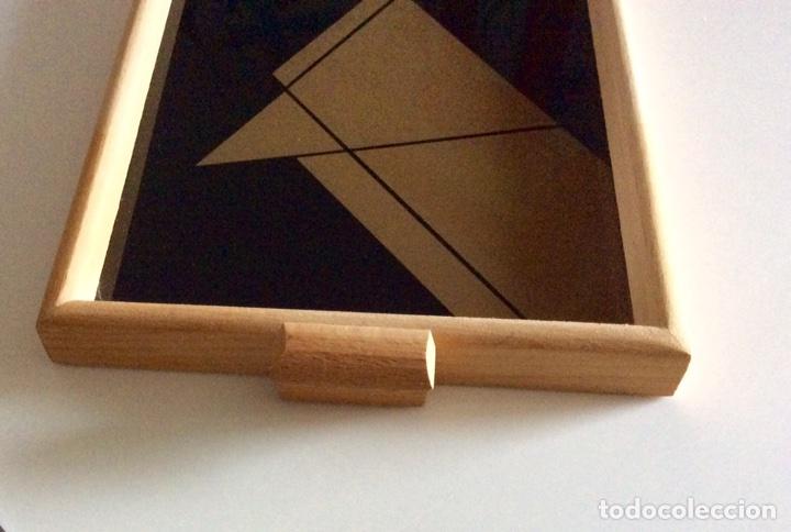 Vintage: Bandeja años 70 estilo arty en madera/cristal serigrafía diseñada por la marca de moda MARAGDA. - Foto 2 - 102659632