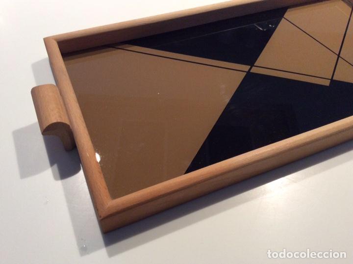 Vintage: Bandeja años 70 estilo arty en madera/cristal serigrafía diseñada por la marca de moda MARAGDA. - Foto 7 - 102659632