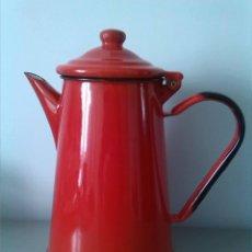 Vintage: CAFETERA TETERA PORCELANA ESMALTADA ROJA VINTAGE. MADE IN POLAND. Lote 105254528