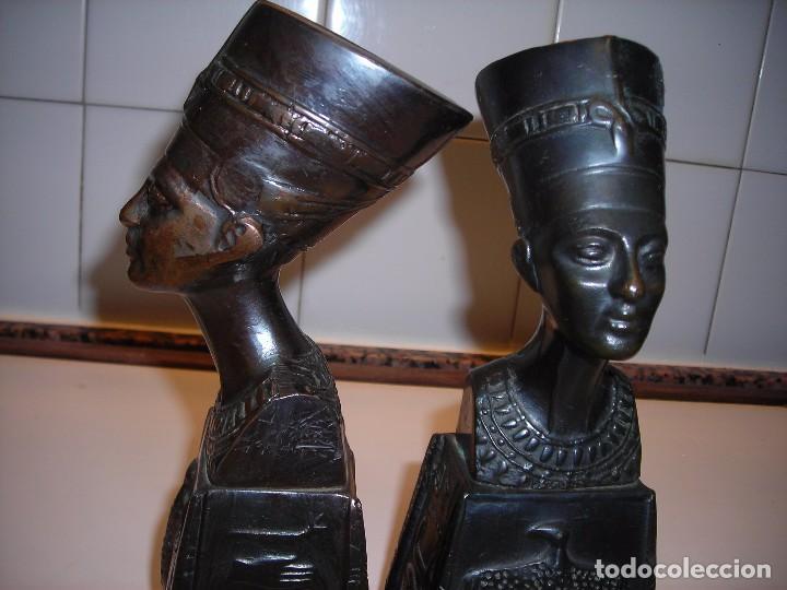 DOS BUSTOS DE LA REINA NEFFERTITI EN BRONCE TRAIDOS DE EGIPTO.(SE PUEDEN USAR COMO SUJETALIBROS) (Vintage - Decoración - Varios)