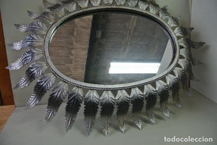 Vintage: Espejo ovalado, con hojas metálicas, tipo sol. Grande - Foto 14 - 84129944