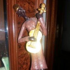 Vintage: FIGURA DECORATIVA AFRICANA TALLADA EN MADERA. Lote 85377002