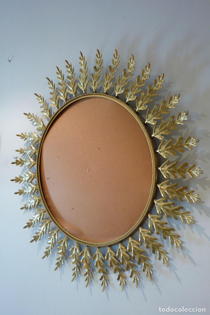Vintage: Espejo vintage tipo sol años 60 metal dorado grande marco de hojas - Foto 2 - 176625359