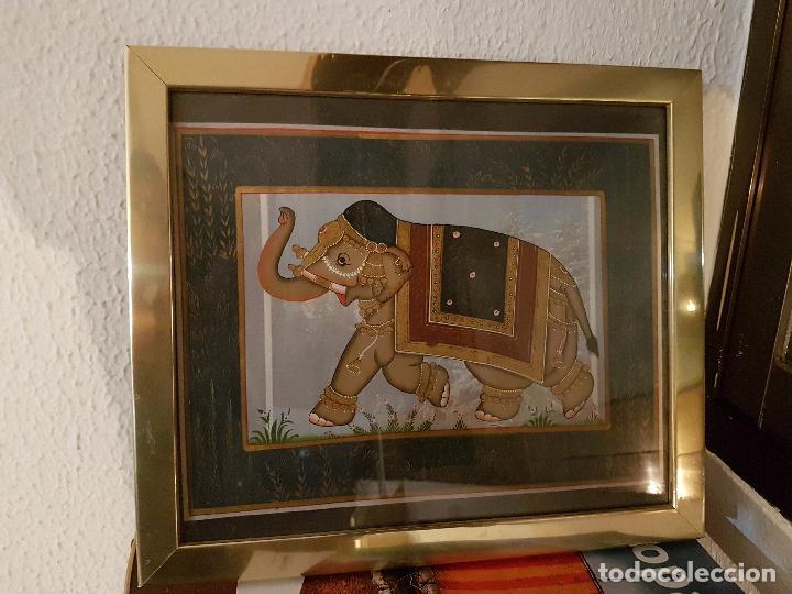 CUADRO CON TELA DE ELEFANTE DE INDIA; MARCO CON ALGUNAS PEQUEÑAS ABOLLADURAS, QUE NO SE NOTA MUCHO (Vintage - Decoración - Varios)