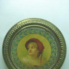 Vintage: ANTIGUO CUADRO REDONDO O TONDO. ORIGINAL ART DECÓ. RETRATO SOBRE METAL. MARCO CON FILIGRANA. Lote 94813595