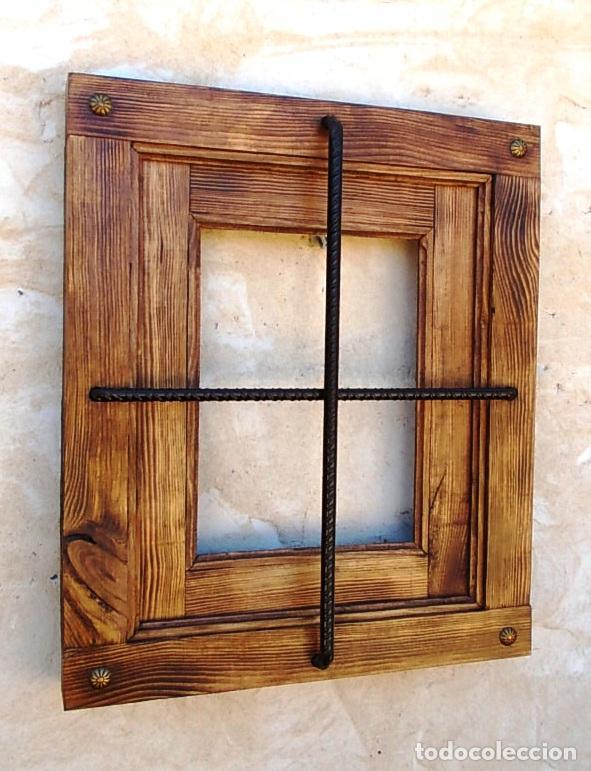 ventana rustica madera con rejas en cruz y clavos en esquinas - Madera Rustica