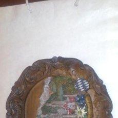 Vintage: PLATO RESINA Y MADERA CASTILLO NEUSCHWANSTEIN EN RELIEVE - 23 CENTIMETROS DIAMETRO - MADE IN GERMANY. Lote 97555891