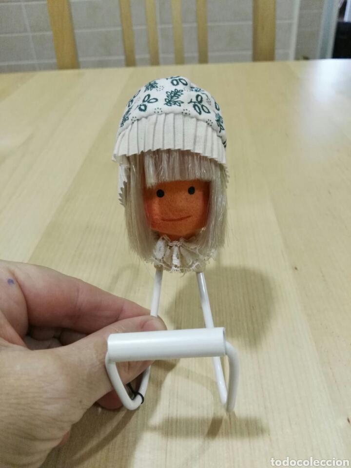 Vintage: Percha con muñeca de fieltro - Foto 5 - 101122552