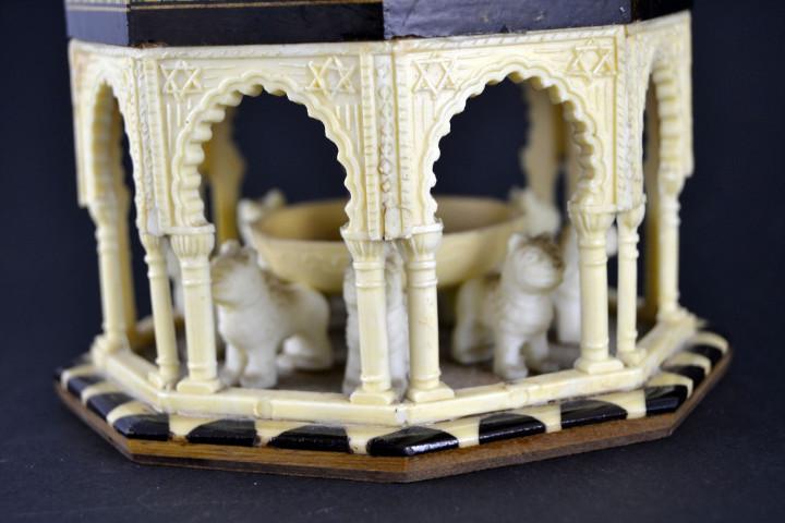 Vintage: Antigua Caja Joyero / Patio de los Leones / La Alambra Granada / Taracea Granadina / 12cm x 10,5cm - Foto 4 - 103073247