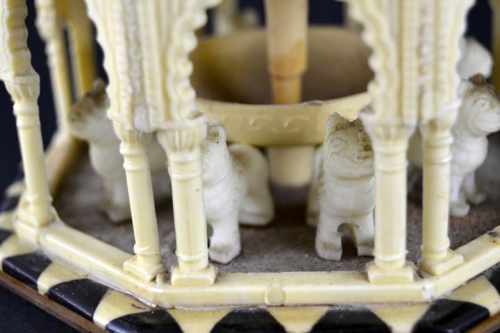Vintage: Antigua Caja Joyero / Patio de los Leones / La Alambra Granada / Taracea Granadina / 12cm x 10,5cm - Foto 11 - 103073247