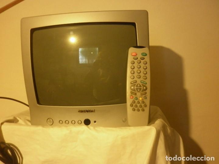 TV-COLOR MARCA BASIC LINE (Vintage - Varios)