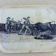 Vintage: BANDEJA VINTAGE. MOTIVOS TAURINOS. 36 X 27 CM. W. Lote 104349219