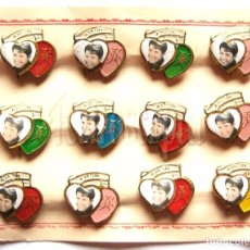 Vintage: BLISTER 12 BROCHES O PINS DE RAPHAEL RAFAEL CON FORMA DE CORAZON AÑOS 60. Lote 104893259