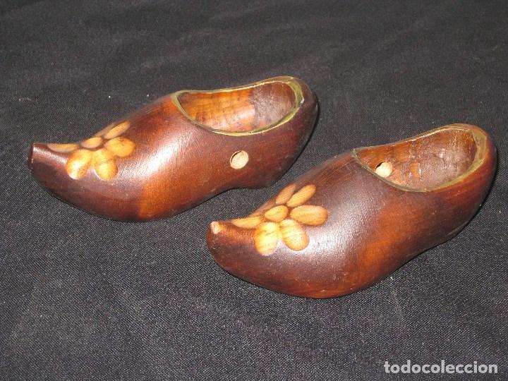 zapatos deportivos 23544 d86fc Zueco,Pareja de pequeños zuecos de madera para decoracion.