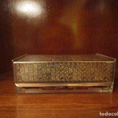 Vintage: PRECIOSA CAJA SERVILLETERO CON TAPA DE ALPACA. Lote 107546763