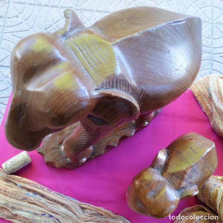 Vintage: Elefantes en madera. Pareja de elefantes tallados en madera. Años 80 - Foto 8 - 110015063