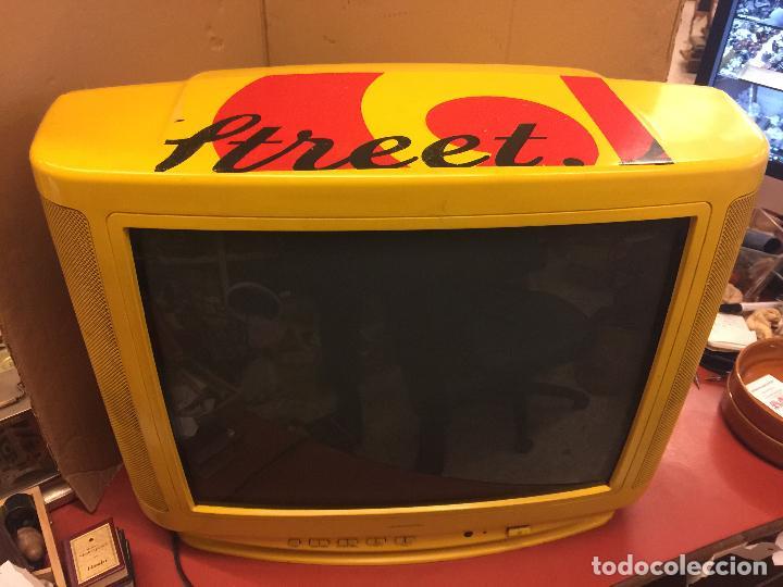 Vintage: Curioso Televisor Vintage, publicidad Whisky J&B. Preciosos colores.Todo original. Funciona.Leer mas - Foto 4 - 110303359