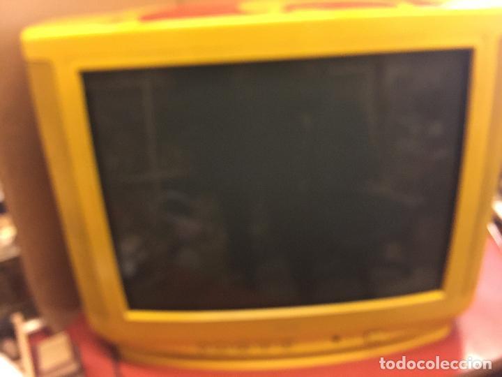 Vintage: Curioso Televisor Vintage, publicidad Whisky J&B. Preciosos colores.Todo original. Funciona.Leer mas - Foto 7 - 110303359