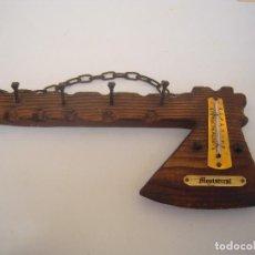 Vintage: CUELGA LLAVES DE MONTSERRAT CON TERMOMETRO. Lote 112133363