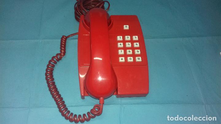 TELEFONO ANTIGUO ROJO RUSO AÑOS 70-80 (Vintage - Varios)