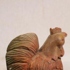 Vintage - gallina gallo de madera - 113448619