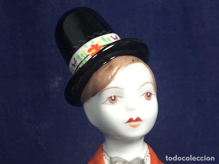 Vintage: figura porcelana húngara Hungría hollohaza pintada mano hungary folclore años 70 17,5x5,5x4,5cms - Foto 8 - 115640727