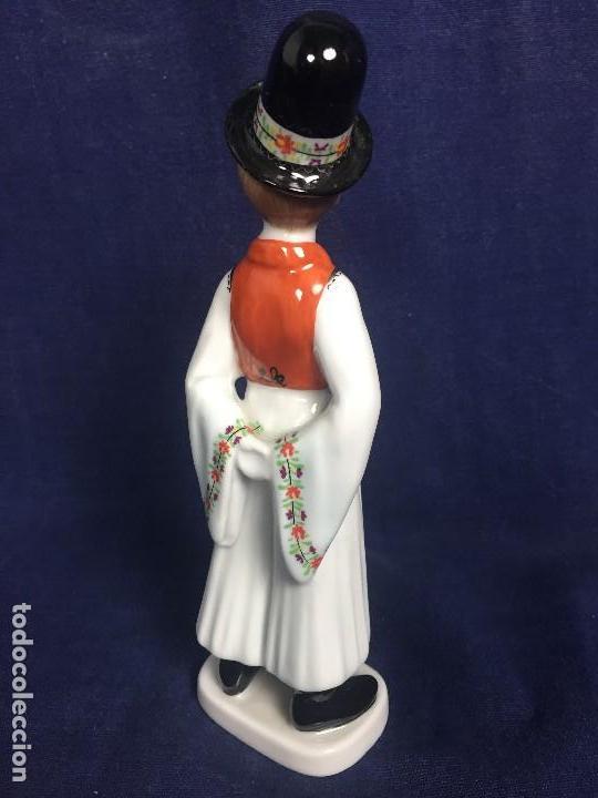 Vintage: figura porcelana húngara Hungría hollohaza pintada mano hungary folclore años 70 17,5x5,5x4,5cms - Foto 4 - 115640727