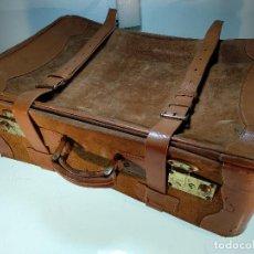 Vintage: GRAN MALETA DE VIAJE EN PIEL CON CORREAJES - CIERRES CON CERRADURA - FALTA LLAVE - . Lote 115925463