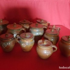 Vintage: JUEGO DE ONCE TARROS DE BARRO CON TAPA CON ADORNO DE FLOR. . Lote 117138955