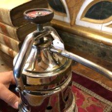 Vintage: CAFETERA ELÉCTRICA ANTIGUA AGI. Lote 117738567