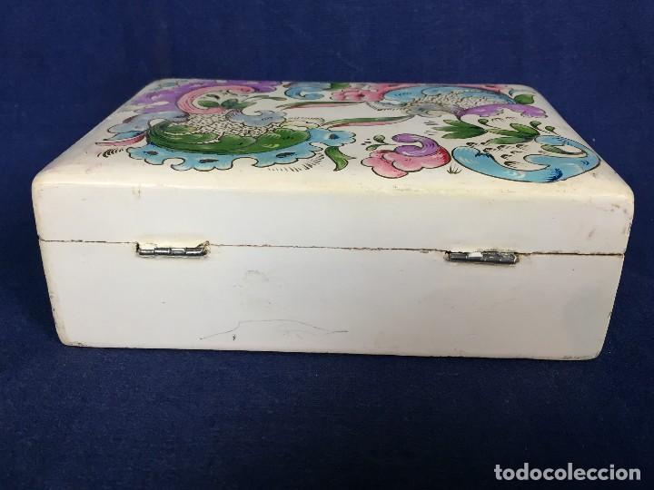 Vintage: caja pintada de blanco madera rocallas roleos tipo s XVIII vivos colores 5x15x11cms - Foto 8 - 117924839