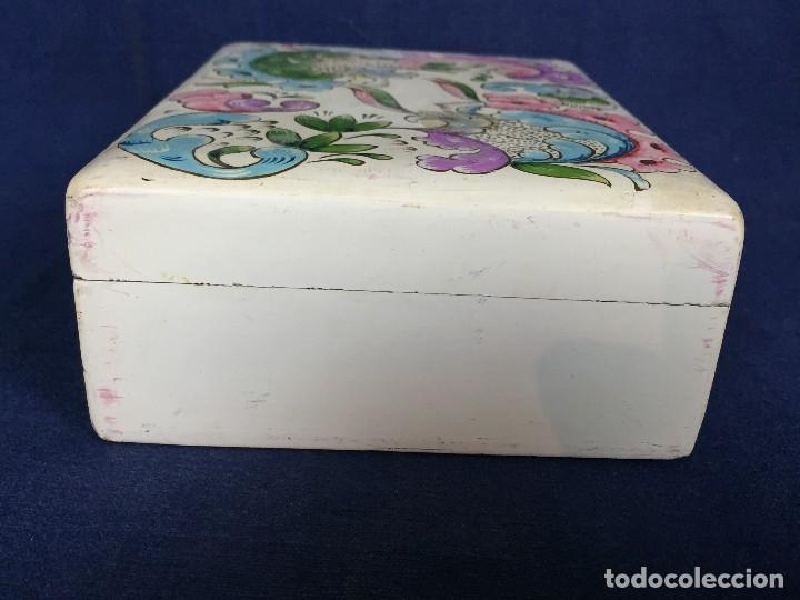 Vintage: caja pintada de blanco madera rocallas roleos tipo s XVIII vivos colores 5x15x11cms - Foto 9 - 117924839