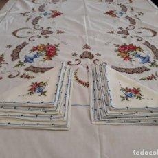 Vintage: MANTELERIA DE ALGODON BORDADA A MANO PUNTO DE CRUZ, 8 SERVILLETAS. Lote 118329227