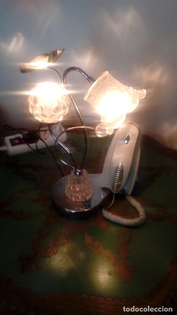 LAMPARA DE MESA DE ACERO INOXIDABLE CON TULIPAS DE CRISTAL DE ROCA CON TELÉFONO MIDE 32 CMS DE ALTO (Vintage - Decoración - Varios)