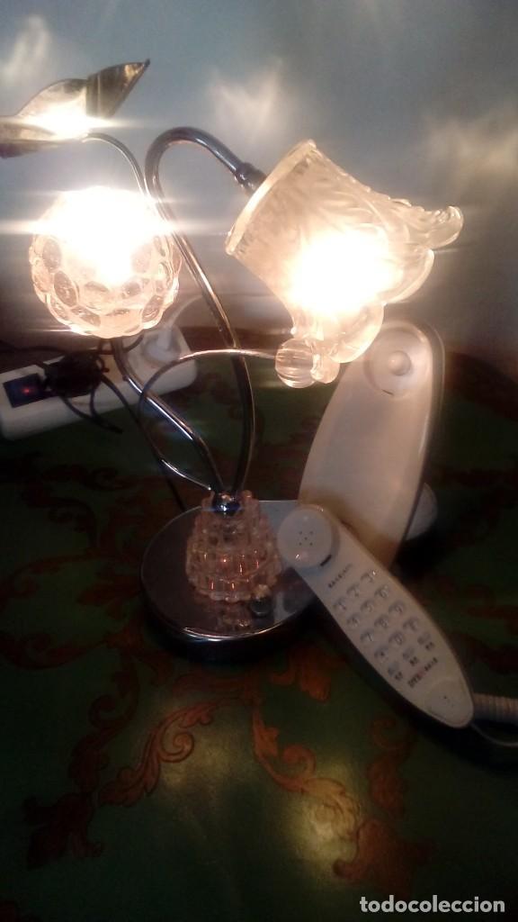 Vintage: LAMPARA DE MESA DE ACERO INOXIDABLE CON TULIPAS DE CRISTAL DE ROCA CON TELÉFONO MIDE 32 CMS DE ALTO - Foto 5 - 120179375
