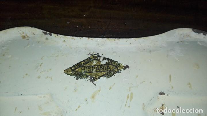 Vintage: percha metalica marca hispania con letras ilegibles - Foto 3 - 120404103