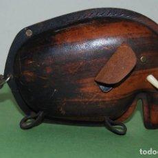 Vintage: HUCHA DE CUERO EN FORMA DE ELEFANTE - TOP GRAIN COWHIDE - INGLATERRA - AÑOS 60. Lote 120621231