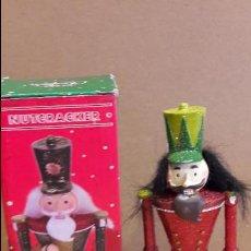 Vintage: MUÑECO NUTCRAKER / MERRY CHRISTMAS / EN CAJA ORIGINAL RESINA. 19 CM.. Lote 120934675