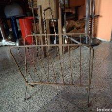 Vintage: REBAJADO!. REVISTERO EN METAL AÑOS 60, VINTAGE ORIGINAL.. Lote 122123624