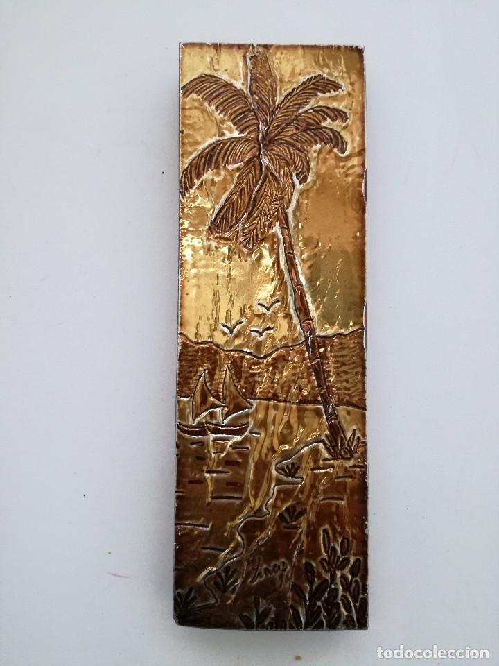 Vintage: Latón o estaño repujado 2 pequeños cuadros firmados - Foto 4 - 124002003