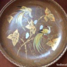 Vintage: PLATO DE MADERA FIRMADO,MUY DECORATIVO. Lote 126341567