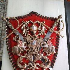 Vintage: ESCUDO AÑOS 60. Lote 127629595