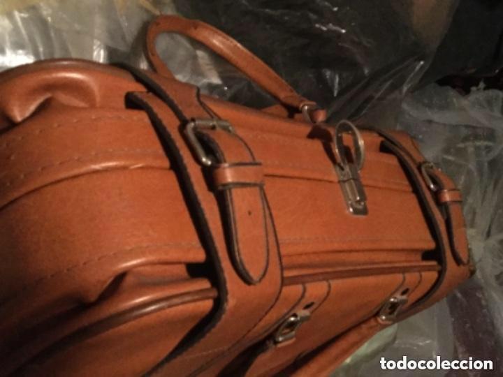 Vintage: Tres Maletas de skay polipiel Años 70 Color marrón - Foto 4 - 128638359
