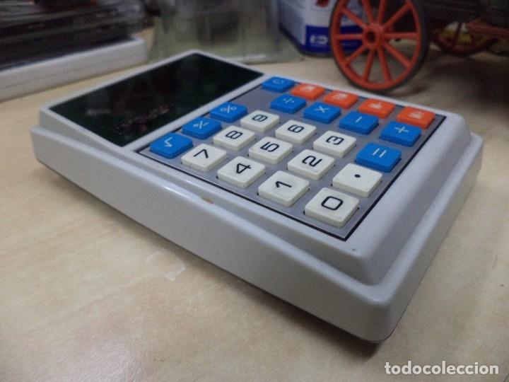Vintage: Calculadora de bolsillo Toshiba 1975.Homeland 810.Electronic calculator.Diodos verdes. - Foto 2 - 128819431