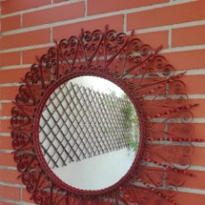 Vintage: ESPEJO SOL VINTAGE REDONDO METAL ROJO DORADO ANTIGUO. Lote 130176291