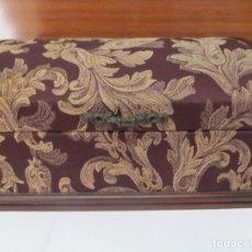 Vintage: BONITA CAJA JOYERO VINTAGE DE MADERA Y FORRADA EN TELA. Lote 130712304
