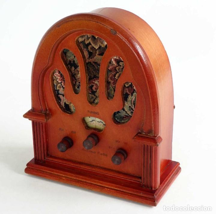 Vintage: RADIO RETRO MADERA TIPO CAPILLA. FUNCIONANDO. REPRODUCCION - Foto 3 - 132120238