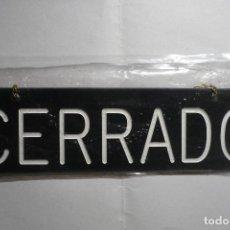 Vintage: ROTULO PLASTICO CERRADO -ABIERTO CON CADENA. Lote 132208386