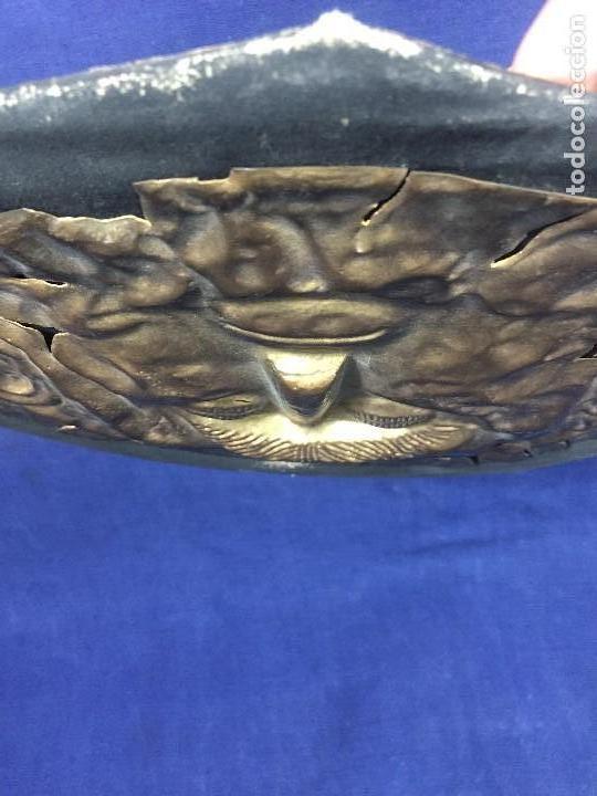 Vintage: réplica máscara funeraria de agamenón cobre latón dorado sobre soporte forrado micenas ppio s xx - Foto 8 - 134459678