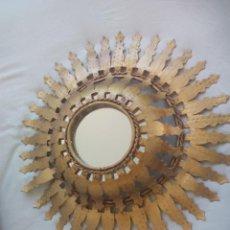 Vintage: ESPEJO SOL DE METAL DORADO. RETRO. VINTAGE METAL SUN MIRROR GILD.. Lote 135637703